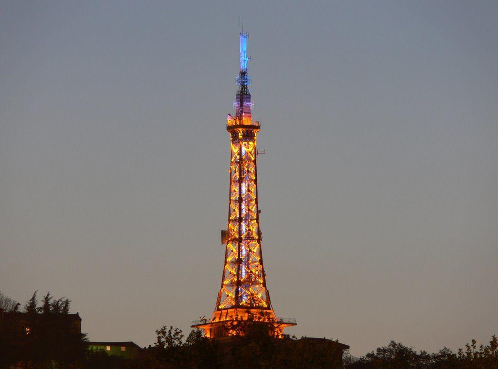 Металлическая башня Фурвьер, Лион