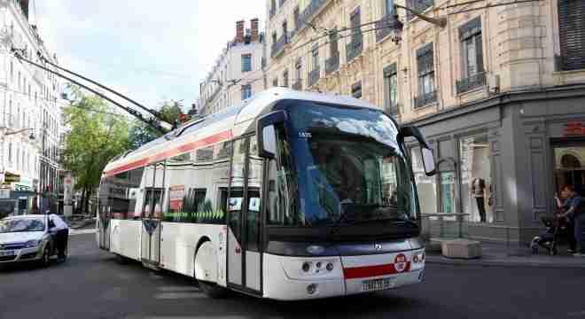 Есть в Лионе и троллейбусы